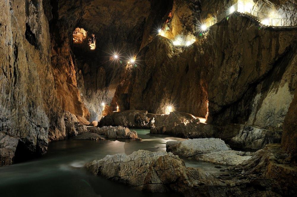 cave.thumb.jpg.9842ab678d5108b49fea73c06